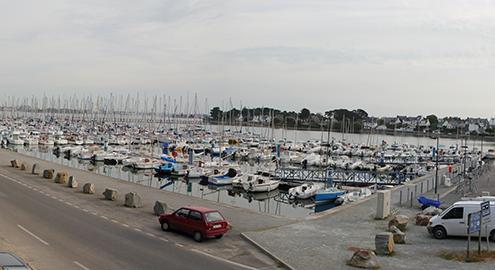 Le port de Port Louis. Avril 2014.